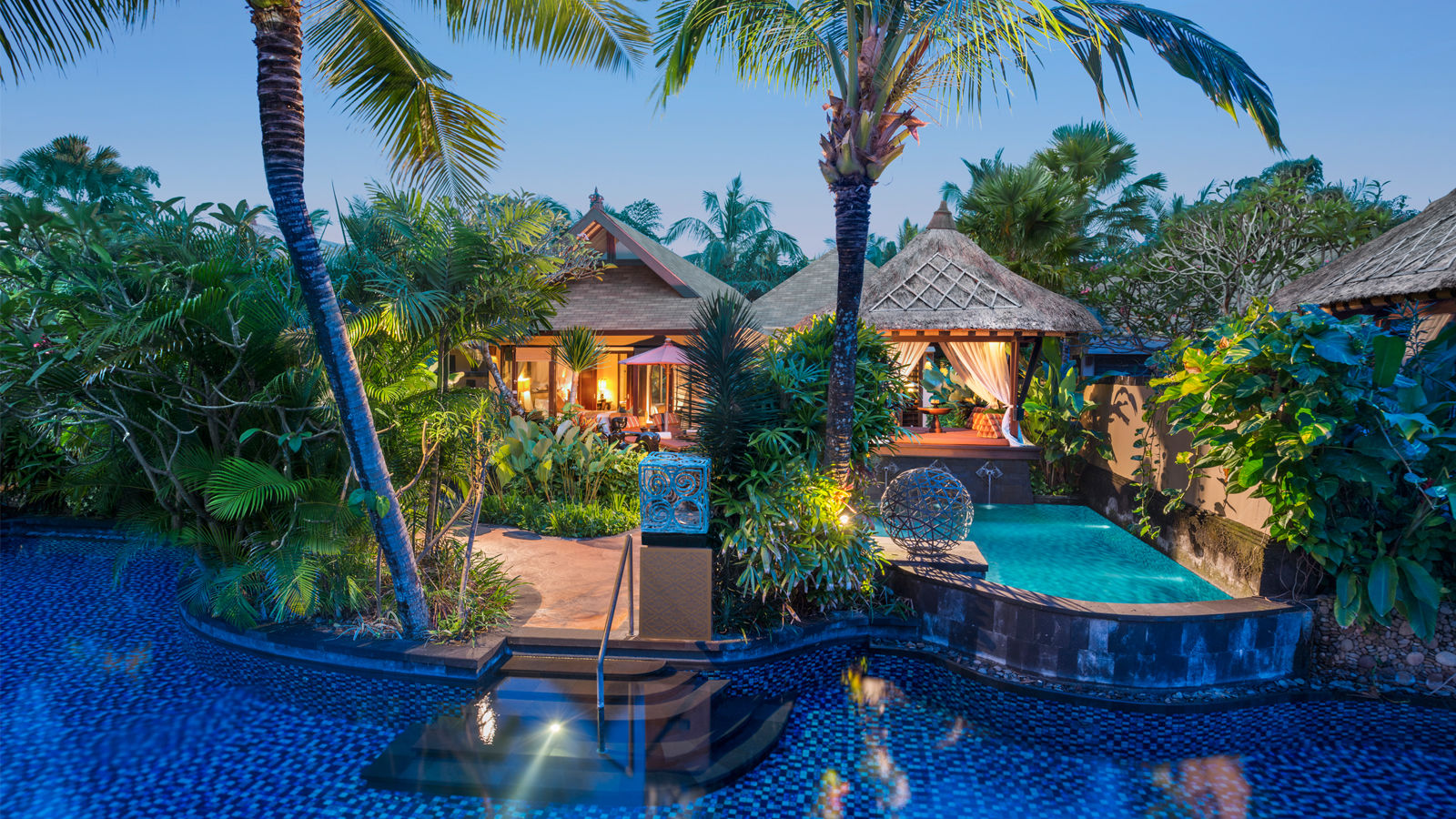 Luxury villa bali lagoon villa two bedroom st regis for The one hotel bali