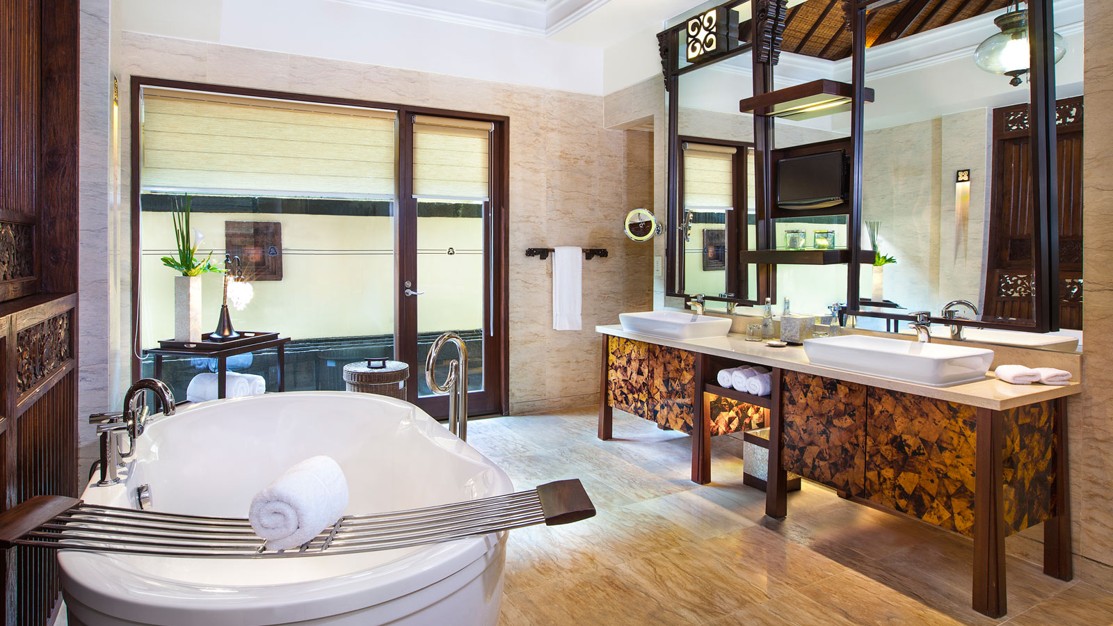 gardenia villa bathroom