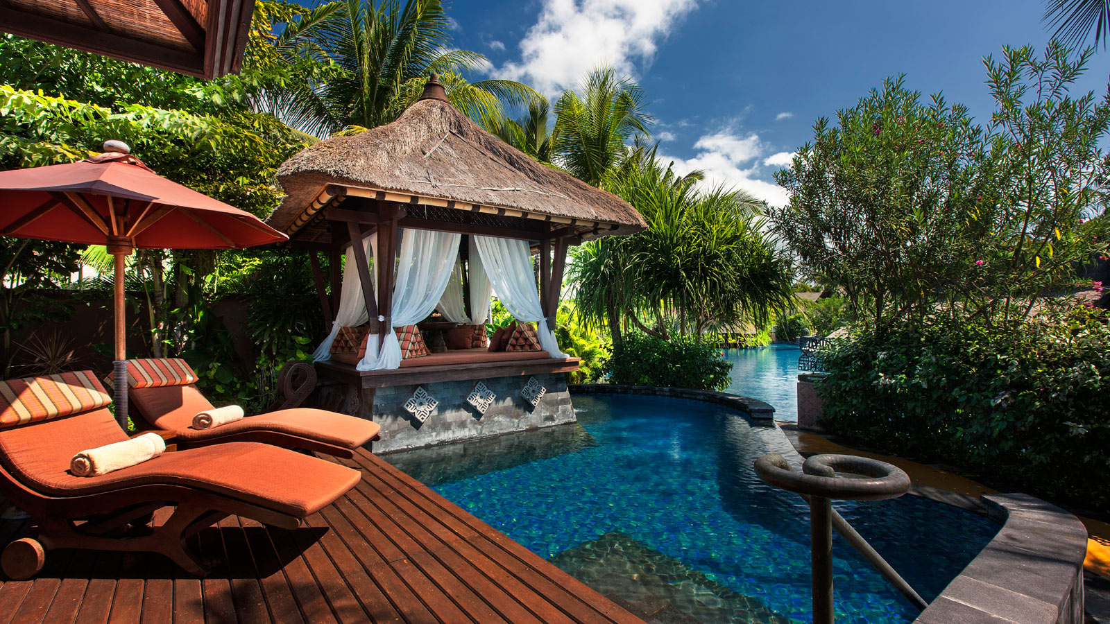 Discover the villas at the st regis bali resort bali for Villas wallpaper
