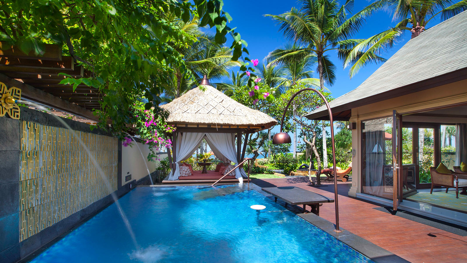 Discover the villas at the st regis bali resort bali for Pool villa design