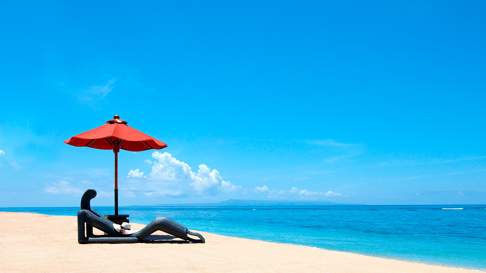 White Sand Beach - The St. Regis Bali Resort